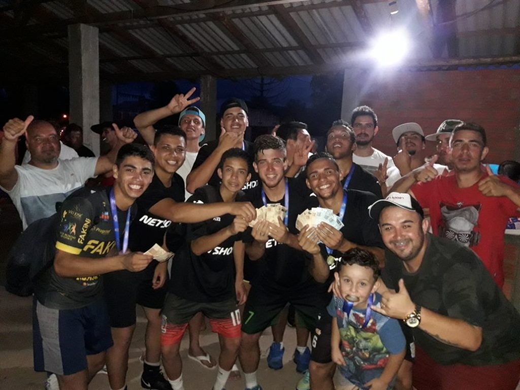 torneio-lanXXa-futebolsuico-campeao