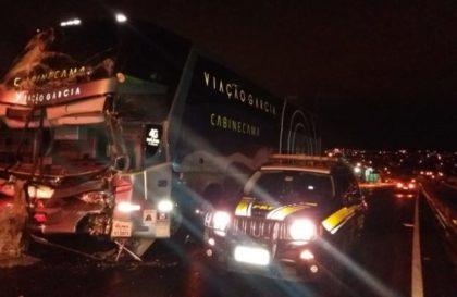 acidente-caminhao-onibus-720x405