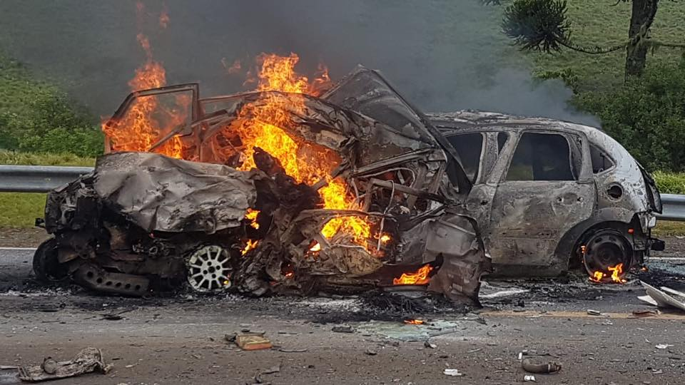 acidente-carbonizado-br116 (2)