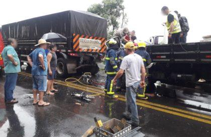 acidente-br476-ferragens (1)
