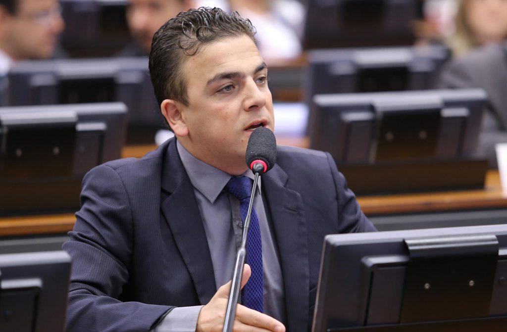 alielmachado-psb-politico