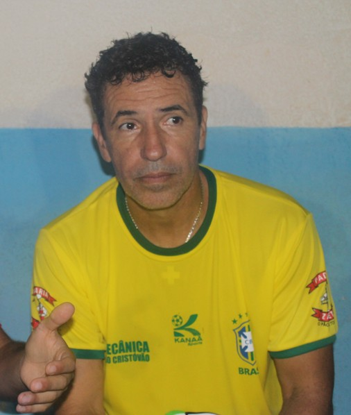 5aeef267ec7e1 Grandes nomes do futebol nacional participam de jogo beneficente em União da  Vitória