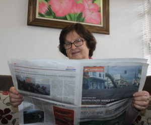 Dona Otília: para ela, presente de aniversário é a assinatura do jornal O Comércio