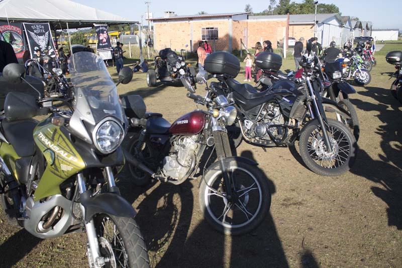 429a455ff BRASILEIRO DE PARAMOTOR: Encontro de Carros antigos e motos atrai ...