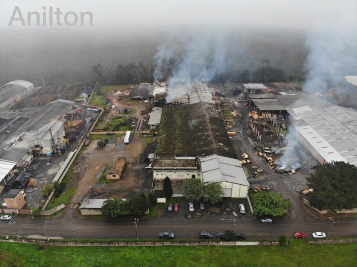 20190512-incendio-estufa-portouniao (2)