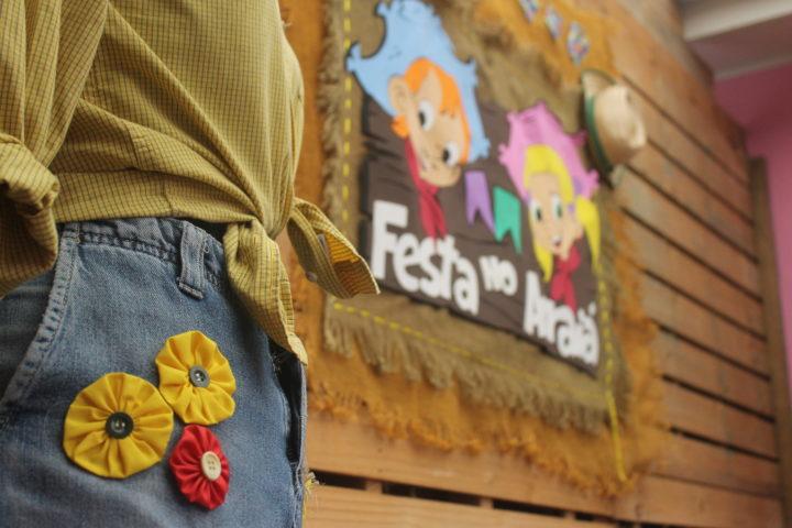 Peças customizadas já estão à venda: traje é caipira, mas exclusivo  (Fotos: Mariana Honesko).
