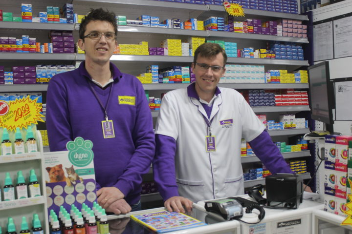 Diretor comercial Diego Altenrath e diretor farmacêutico Alex Perepelecia,