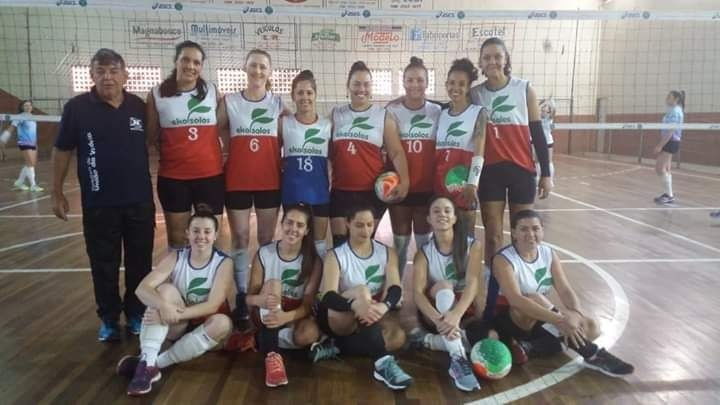 Voleibol feminino de União da Vitória. (Foto: SME).