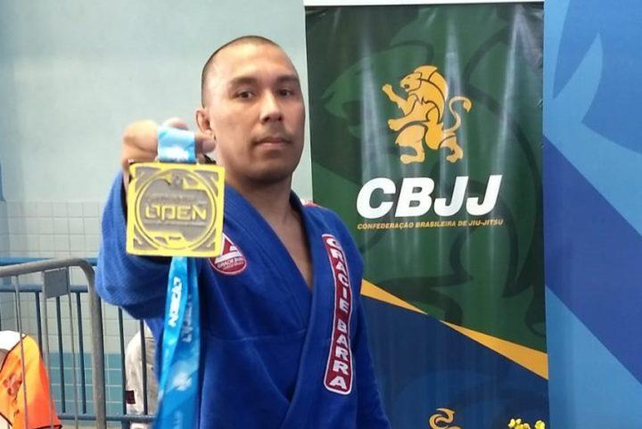 Eduardo Lima, com a medalha