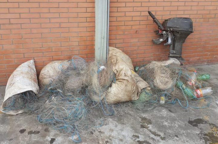 Foram apreendidos 2.420 metros de rede de malhas,  pescado e um motor 15 HP (Fotos: Ascom/Polícia Ambiental).