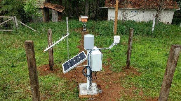 Colmeias conectadas a estações meteorológicas fornecem dados em tempo real (Foto: Ciram/Epagri).