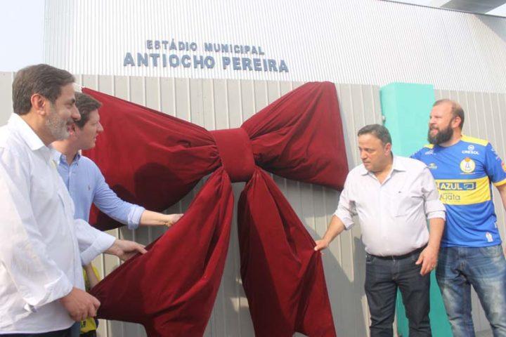 Reinauguração do estádio aconteceu no sábado, 7 de setembro (Foto: Ricardo Silveira).