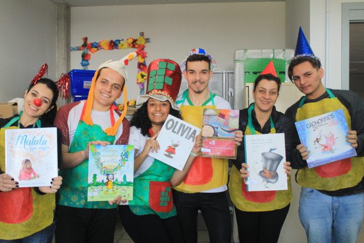 Contadores atende aos convites da comunidade: se é para ler para alguém, voluntários estão presentes