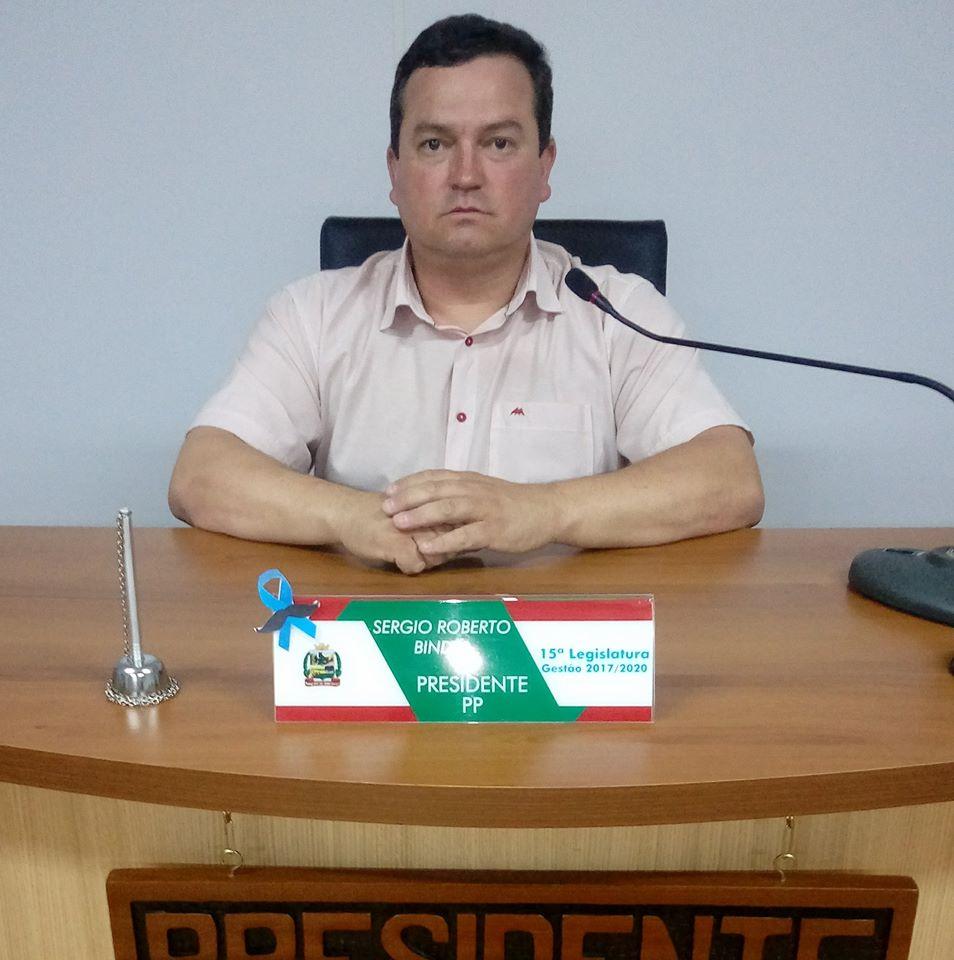 Vereador Sérgio Binder: contrário à Moção de Aplausos para a secretária (Foto: Reprodução).