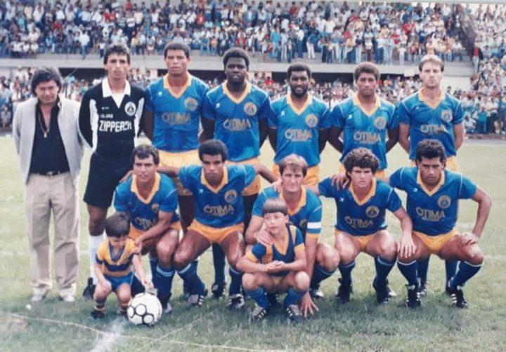 Luizinho Cruz (o primeiro agachado da esquerda para a direita)
