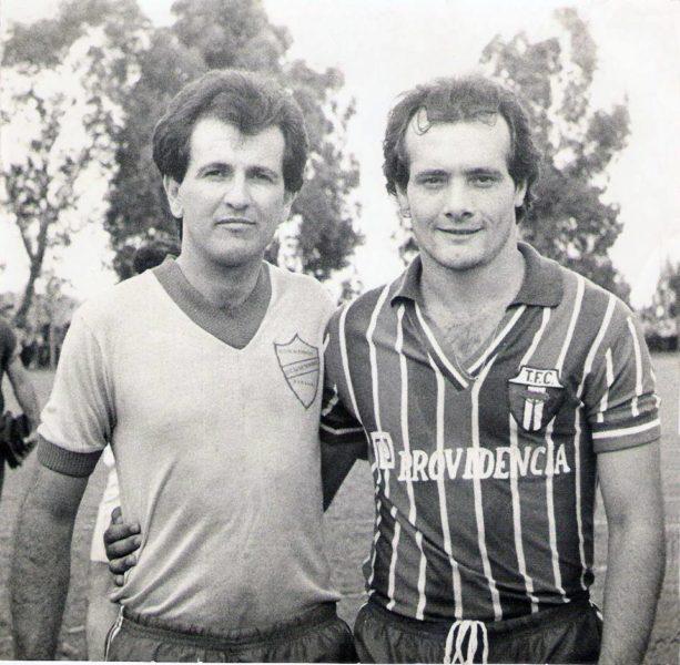 Kiko (à direita) quando jogava pelo 7 de Setembro de Dois Vizinhos em 1984 na Taça Paraná. (Foto: Acervo pessoal).