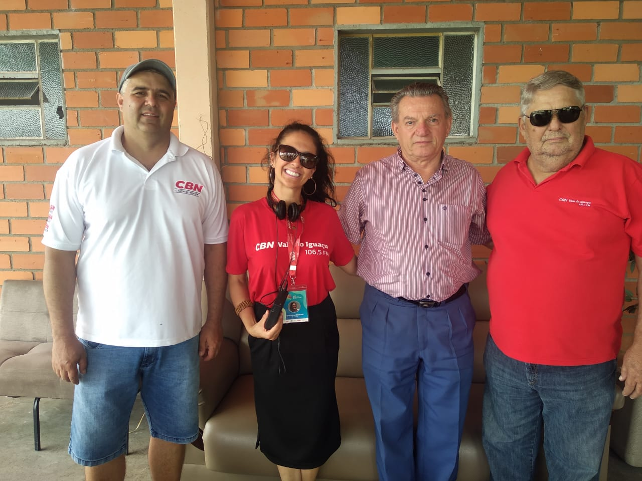 Equipe da CBN como o prefeito de Paula Freitas Valdemar Capeletti