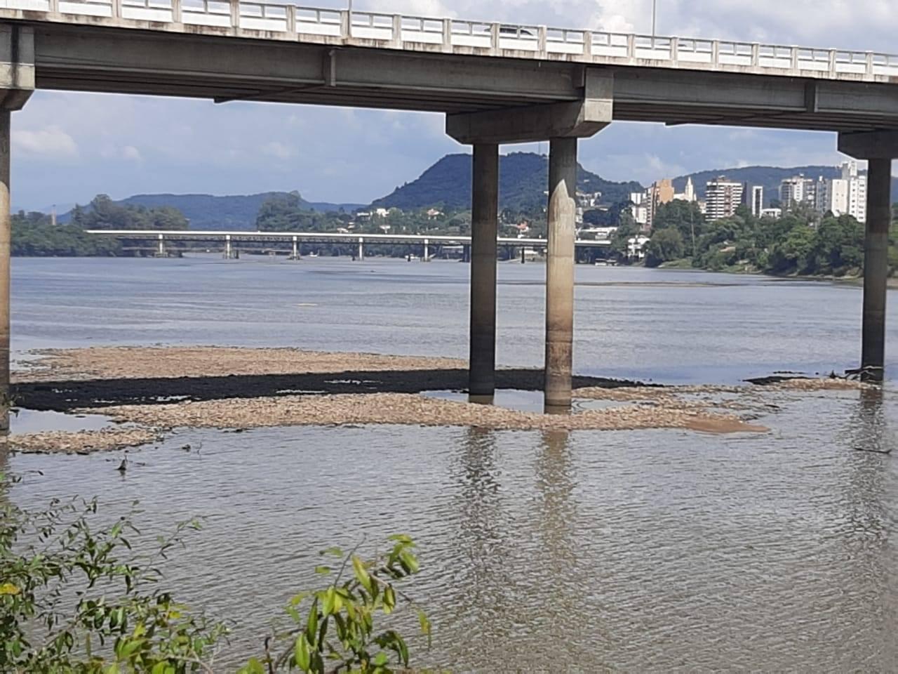 Visão da Ponte Domício Scaramella. (Foto: Jaqueline Castaldon).