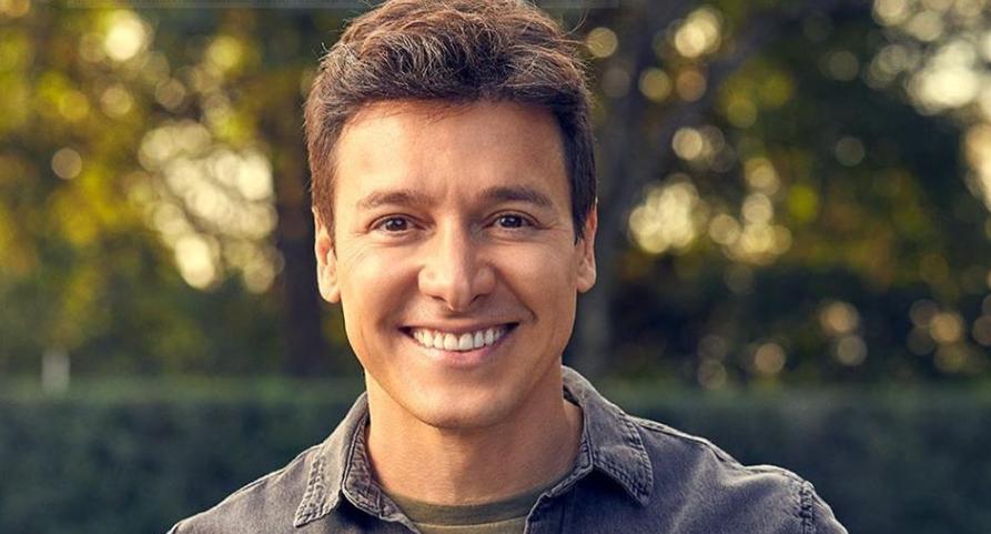 Rodrigo Faro, apresentador da Record TV. (Foto: Reprodução).