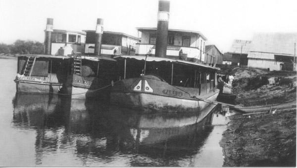 Barco à vapor (Paraná Portal) Navegação pelo rio Iguaçu começou no século 19 e facilitou a ocupação do Sul do Paraná