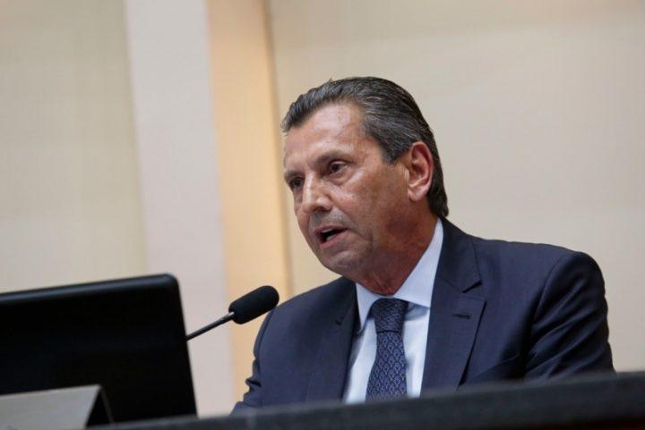 Anúncio foi feito pelo presidente da Alesc, Julio Garcia, no início da sessão desta quarta (22). (Foto: Daniel Conzi/Agência AL).