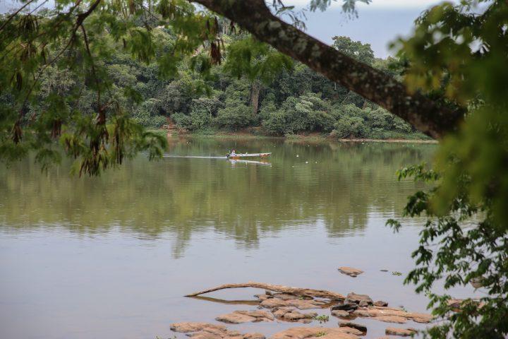 Rio Ivai entre as cidades de Floresta e Engenheiro Beltrao  nesta terça-feira (12), segundo o Simepar, a seca histórica é resultado da chuva abaixo do esperado nos últimos três meses. (Foto: Geraldo Bubniak/AEN).