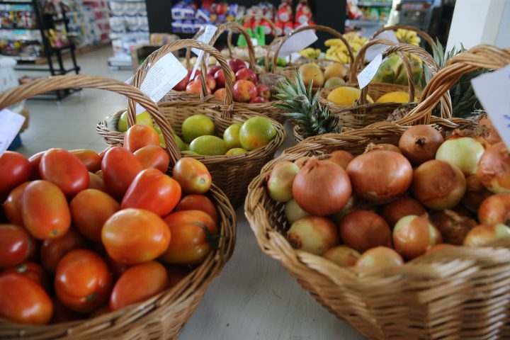 Hortifruti  em mercado. Foto: Geraldo Bubniak/AEN