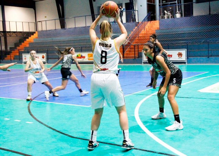 (Foto: Karine Livian/Federação Catarinense de basquete).