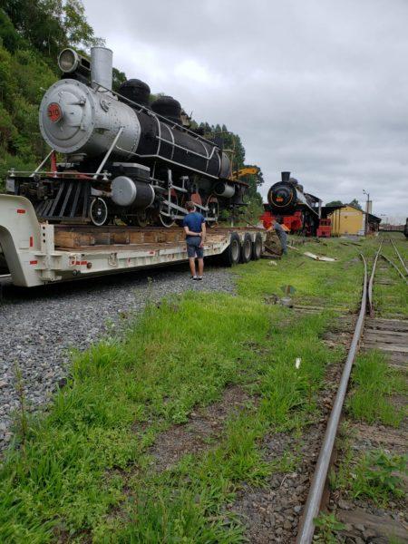 Locomotiva 310 em Rio Negrinho. (Foto: Reprodução).