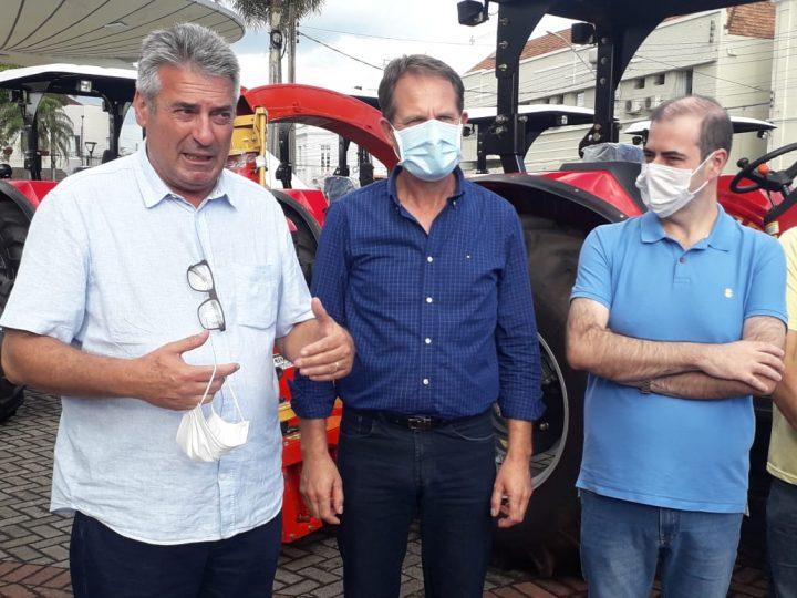Mauro Mariani, Eliseu Mibach e Carlos Chiodini. (Foto: Ricardo Silveira).