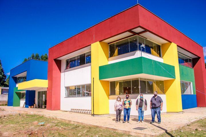 Construcao de nova escola em Irineopolis esta quase finalizada (2)