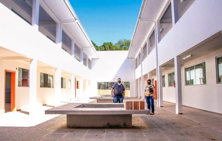 Construcao de nova escola em Irineopolis esta quase finalizada (3)