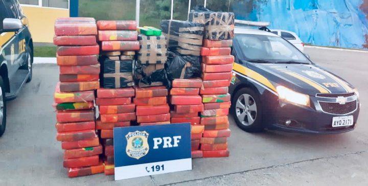 Operacao Semana Santa PRF apreende quase uma tonelada de maconha em Mafra