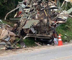 Ônibus após acidente